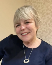 Rosina Dolan, MSc. Specialist in Systemic Family Therapy. UKCP / AFT accred.
