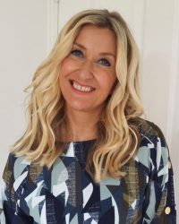 Helen Benson BA(Hons) MBACP Accred Counsellor / Psychotherapist