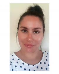 Sara Abusamra (BACP Member, Therapeutic Diploma, Walk and Talk Therapy)