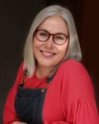 Wendy Cottis MA BACP