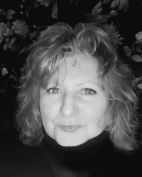 Sue Daniels MBACP (Snr.Accred) Louth/Lincoln Supervisor & EMDR Therapist