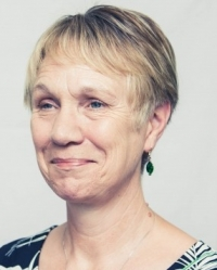 Liza Heatley MSc, PTSTA (P), UKCP registered Psychotherapist, MBACP (Accred)