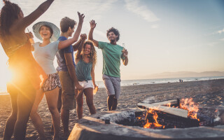 3 tips to manage 'all or nothing' eating at summer barbecues