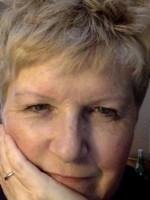 Dr Lynne Jordan, DPsych Therapy Online in Pandemic