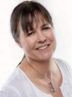 Kate M James, Psychotherapist (MBACP), BSc, MNCH (R), BWRT®