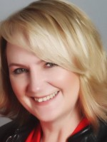 Niki (Nicola) Lewarne Registered MBACP (accredited)
