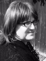 Madison-Amy Webb (MBACP Accredited) Counsellor/ Supervisor, and Art Therapist