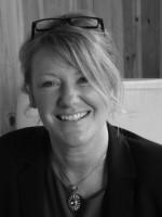 Vivienne Costello AdvDipCon MBACP COSRT