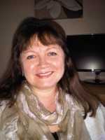 Julie Iannucci MSc, UKCP Registered Psychotherapist, PG Cert Couples Work.