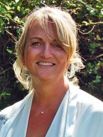 Clare Blakemore FdSc CBT Counselling, Dip.Hypnotherapy,MBACP accredited