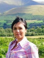 Arfa Begum- Qualified & BACP Registered Integrative Counsellor