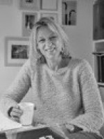 Henriette Van Der Does, Art psychotherapist (MA) - HCPC registered