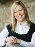 Clare Sherratt MBACP, Dip He Counselling and Psychotherapy