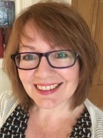 Lynne Muir CB Therapist, CMCOSCA, Dip Couns and Groupwork, BA (Hons), Dip Ed.