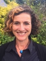 Diana Samuels, BSocSci, CQSW, PG Dip (Play Therapy), MA, UKCP, HCPC Registered