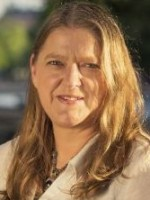 Sarah McConnell, UKCP registered, Licenced Marriage and Family Therapist