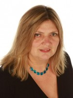 Theresa Hulme, MSc Counselling & Psychotherapy, registered MBACP
