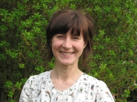 Katy Askew Gillott, UKCP Registered Psychotherapist and Outdoor Therapist