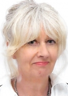 Lesley Brookes MA BSc Dip CP MBACP MNCS (Acc)