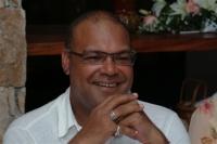 Dr Peter Nevins