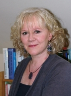 Christine Kennett, UKCP Reg. Psychotherapist, Snr Counsellor, Couples Therapist