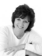 Amanda Lusty EMDR Consultant, PG Cert EMDR, BA(Hons), MBACP(Senior Accred)