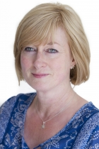 Jo Burns MA, PG Cert Supervision, UKCP, MBACP, RMN, Cert Couples Counselling