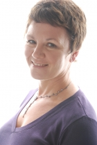Lesley Warriner  BSc (hons) Therapeutic Counselling.  Relate cc