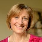 Lesley Barratt MBACP MA BA(Hons) UAD