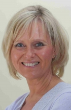 Janni Macfarlane PTSTA, CTA (Psychotherapy), MBACP (Accred), UKCP, Dip. Couns.,