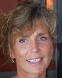 Anna Sainsbury-Thomas B.S.cHon(Psych) HPD DHP MNCH(Lic)