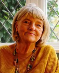 Lynne Chiswick MSc, BSc, PGCE, D.Hyp, BSCH (Assoc)