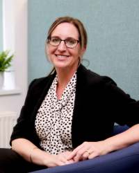 Julie Phillips - Clinical Hypnotherapist for stress, anxiety and trauma.