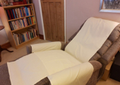 Hypnotherapy in comfort and safety - freshly laundered linen covers for each appointment to ensure your safety.