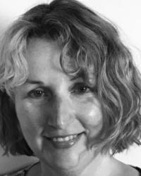 Karen Eynon, Advanced Hypnotherapist & Master NLP Coach, Conwy. BA Hons, HPD