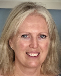 Holly Stone   BSc DSFH HPD CNHC (reg) NCH (reg) Senior Lecturer & Supervisor