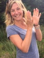 Laura Jane Woodward Hypnotherapy; BSc (Hons), HPD, DFSH, AfSFH (reg), CNHC (reg)