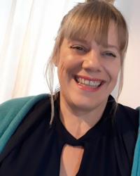 Kate Mitchell Qualified Cognitive Behavioural Hypnotherapist