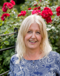 Sandra Wilson (DSFH HPD BSc (Hons) Women's anxiety and wellbeing specialist
