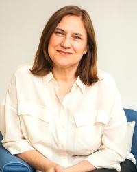 Margaret J Oakley BA (Hons), PGCE, DSFH, HPD, MAfSH(REG), CNHC(REG)