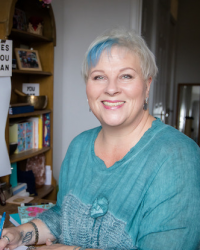 Louise Bowditch Online Therapist Specialising in Anxiety & Rapid Change
