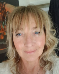 Evalynne Charmer Dip. Hypnotherapy (Paediatrics) MHS; TISPH; CNHC Registered