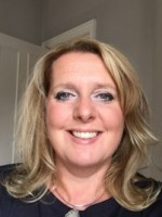 Kim Bromley - Art Of Wellbeing M.A., B.A. (Hons), MHS, MNCS (Acc)