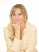 Louise Nonweiler (Dip Hyp DNLP GQHP GHRreg Dip Psych Dip. Mindfulness IAHT)