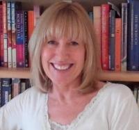 Elaine Hilides MA, BA(Hons), MSNLP, DHyp. DDiet and Nutrition, TT3P