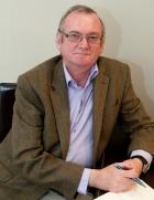 Dr Lindsay Howden