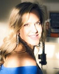 Samantha Lhoas - Your Love Coach