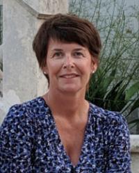 Clare Deatker MA (Cantab) MAC  Personal Development and CBT Coach