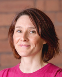 Sarah Brooks - MAC, Professional Business Coach (accredited by ICF, EMCC)