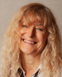 Marie-Claude Quieffin-Witcombe - Qualified Coach in Midlife Transitions Coaching
